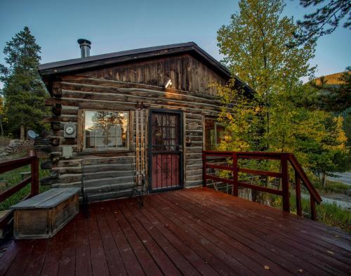 . Luna's Cabin