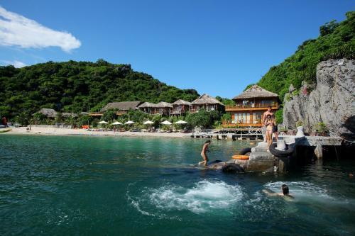 . Monkey Island Resort
