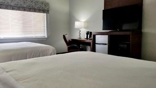 Madison Suites Hotel - Somerset, NJ 08873