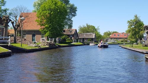 Vakantiehuis de wilgenhof, Ferienwohnung in Wetering bei Giethoorn