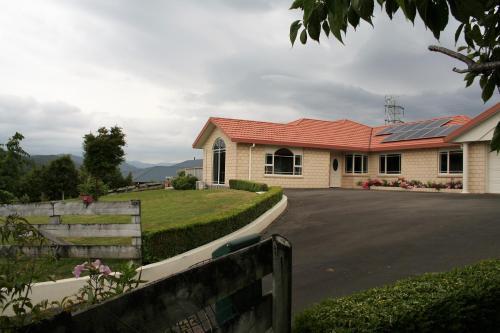 exclusive Birchville Residence - Accommodation - Upper Hutt