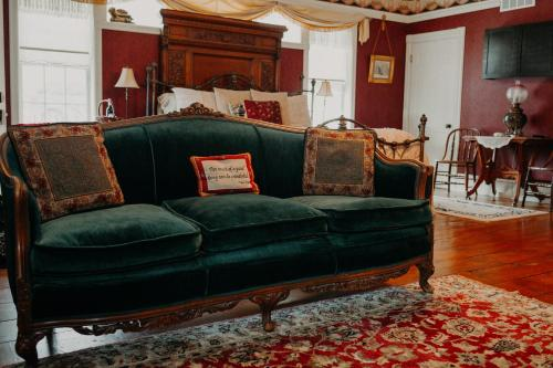 Aurora Staples Inn - Accommodation - Stillwater