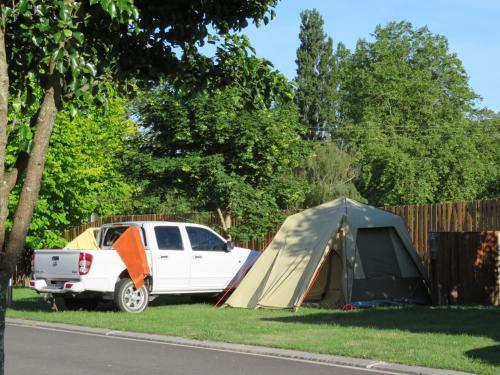 Latrobe Mersey River Cabin and Caravan Park in Devonport - Room