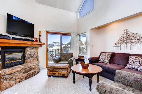 . Contemporary 4 Br- Great For Families Or Friends Condo