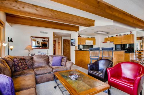 Spacious 3 Br With Updated Kitchen Condo - Crested Butte, CO 81224