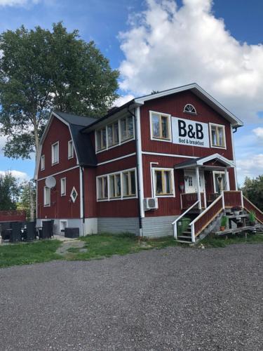 Slätterne Gård B&B - Accommodation - Sandviken