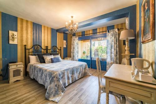 Double Room with Terrace Family hotel Al- Ana Marbella and Golf Villa 3
