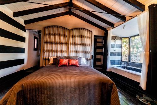 Superior Triple Room Hotel Boutique Al- Ana Marbella 10