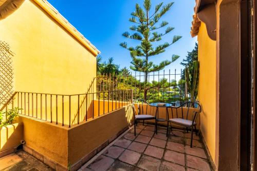 Superior Double Room Family hotel Al- Ana Marbella and Golf Villa 6