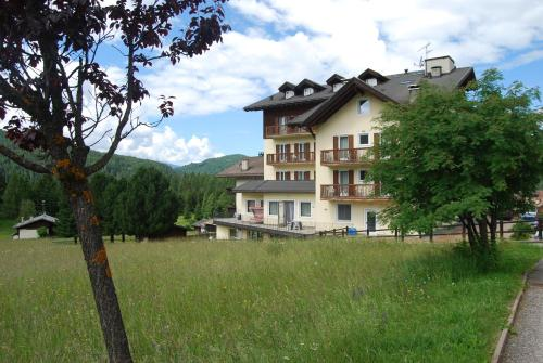 Smy Bellamonte Dolomiti - Hotel - Predazzo