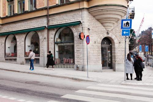 Upplandsgatan 2a, 111 23 Stockholm, Sweden.