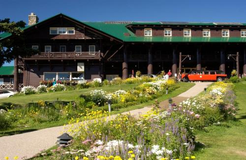 . Glacier Park Lodge
