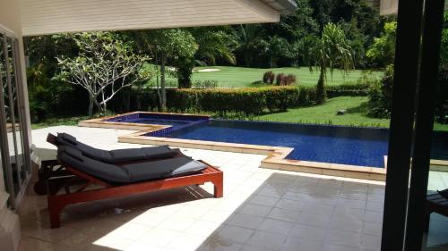 Private Pool Villa in Loch Palm Golf Private Pool Villa in Loch Palm Golf