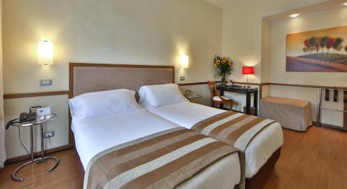 Best Western Hotel Piccadilly - image 13