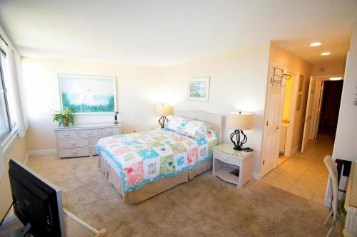 Antigua 403 - Ocean City, MD 21842