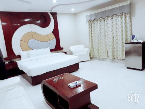 . Hotel Crown Inn