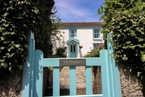 Rosslyn Cottage, St Mawes, Cornwall