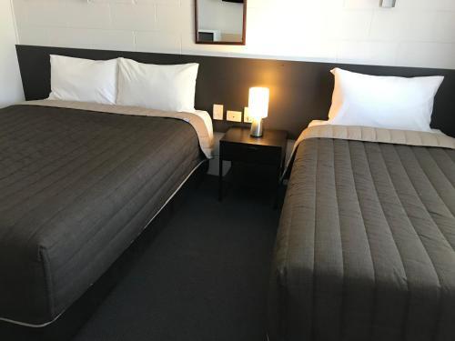Фото отеля Mandalay Motel