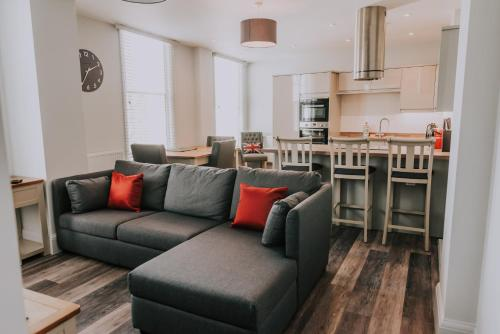 Cavendish House with Secure, Allocated Parking, 2 mins walk from Windsor Castle