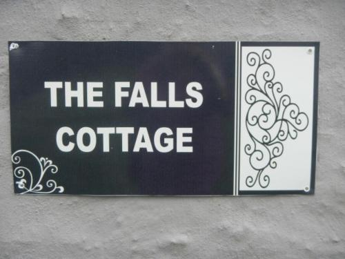 The Falls Cottages