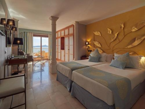 Junior Suite with Sea View - single occupancy Hotel Petit Cala Fornells 7