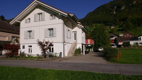 Sandras Flat - Hotel - Giswil