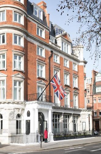 75 Sloane Street, Chelsea, London SW1X 9SG, England.
