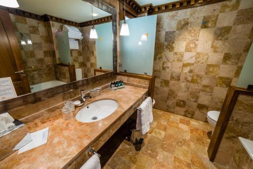 Suite Junior de 1 dormitorio  Hotel Balcón de la Cuesta 7