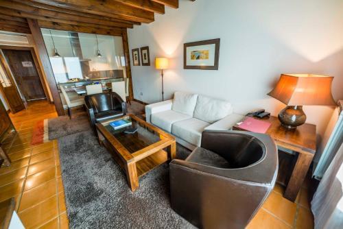 Suite Junior de 2 dormitorios  Hotel Balcón de la Cuesta 14