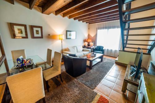 Suite Junior de 2 dormitorios  Hotel Balcón de la Cuesta 16
