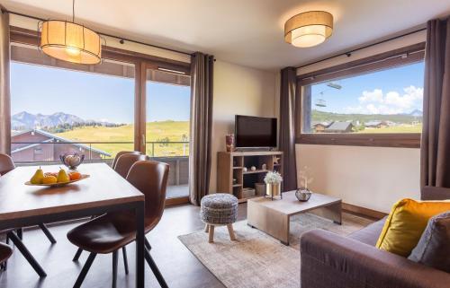 Premium Three-Bedroom Apartment with Spa Access