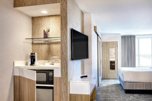 SpringHill Suites by Marriott New York Queens/Jamaica - image 5
