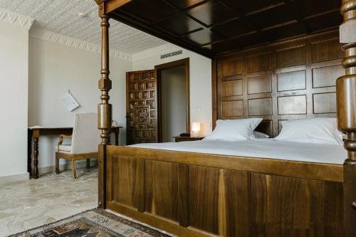 Habitación Doble Superior Hotel Castillo de Monda 3