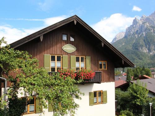 Apartments Landhaus Albrecht - Mittenwald