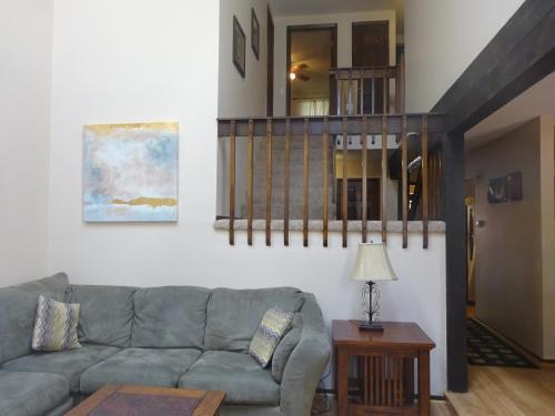 Aspen Grove Rental - Littleton, CO 80120