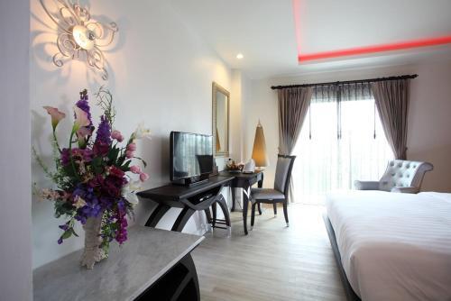 Chillax Resort photo 4