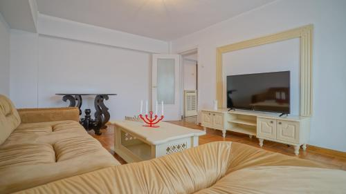 CN2i Luxury Accommodation Unirii