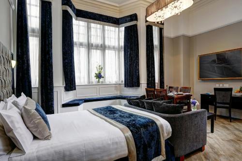 The Richmond Apart-Hotel