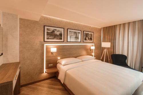 Photo - Park Inn by Radisson Baku Hotel