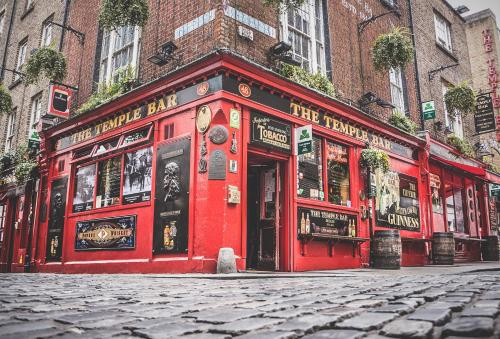 10, Fleet Street, Temple Bar, Dublin 2, Ireland.