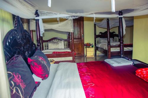 Kyaninga Royal Cottage Hotel (Fort Portal) - Deals, Photos