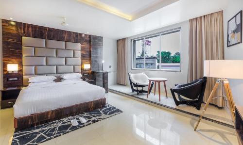 Aura One Hotel