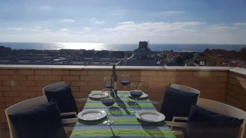 Family Beachfront Duplex Penthouse, 4405-933 Vila Nova de Gaia