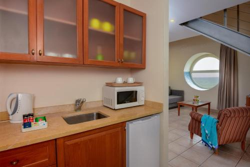 Duplex Suite ( 2 Adults + 1 Child )