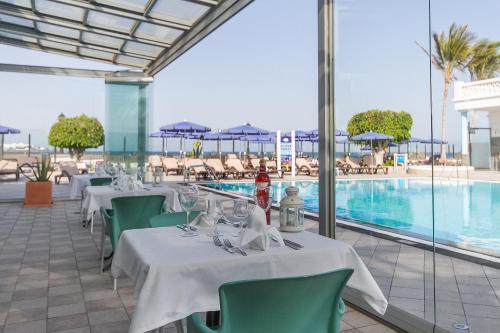 Hotel Las Costas 32