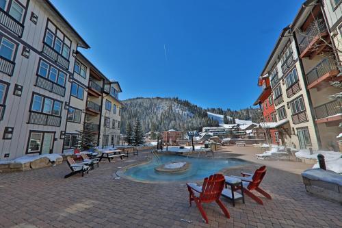 4368 Founders Pointe Cozy WP Village Condo - Apartment - Winter Park