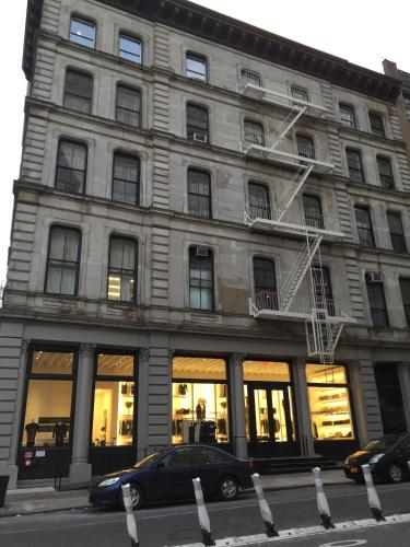Tribeca Historical Loft Rooms - Homestay
