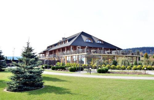 . Hotel Świętokrzyski Dwór