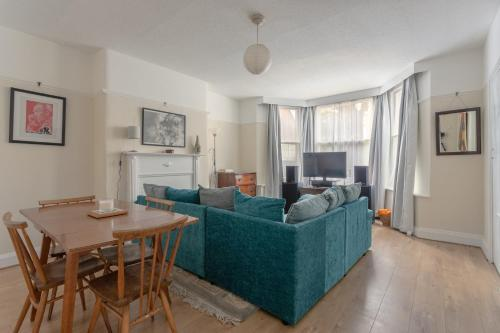 1 Bedroom Flat In North West London With Wifi