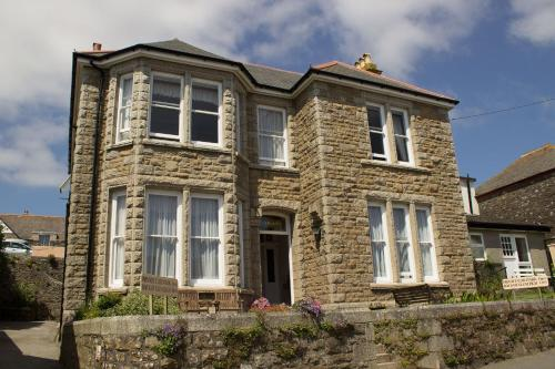 Glenleigh Bed And Breakfast, Marazion, Cornwall